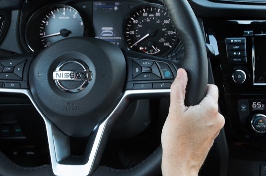 auto asistenční systém propilot Nissan