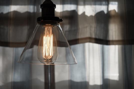 Největší zvýšení spotřeby elektřiny se odehrálo v domácnostech, a to meziročně o více než 15 %.