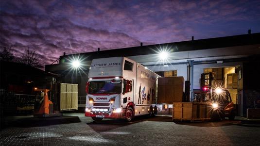 Hybridní nákladní vozidlo, jež bude využíváno zejména v oblasti Velkého Londýna, nabízí tichý, čistý a hospodárný provoz.