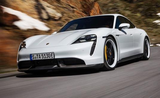 auto Porsche Taycan elektromobil