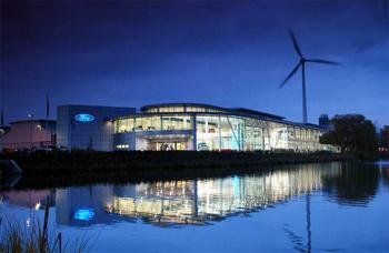 větrné elektrárny u továrny Ford