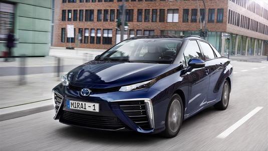 Toyota Mirai auto na vodík