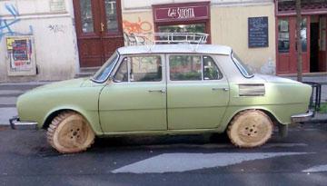 Škoda 100 na dřevo