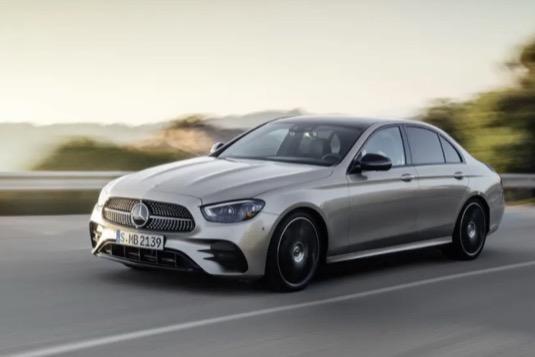současná podoba Mercedes-Benz třídy E