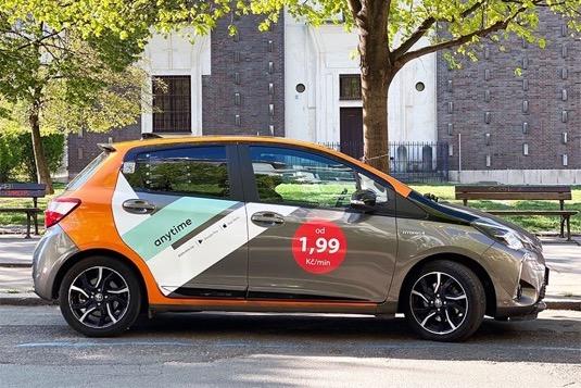 Proti březnu, kdy byl zavedený nouzový stav, je poptávka po autech u mezinárodní carscharingové firmy Anytime vyšší řádově o desítky procent.