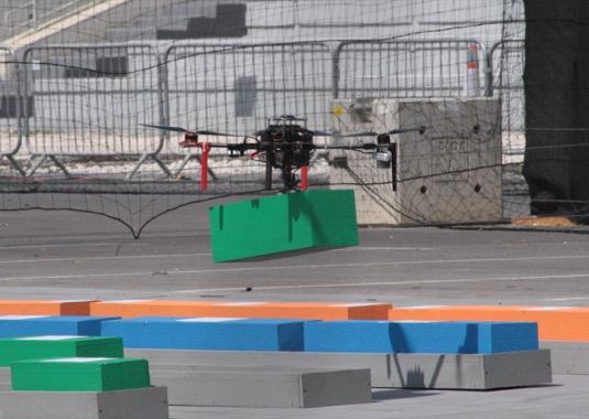 Vědci ze Skupiny multirobotických systémů FEL ČVUT za vítězství v Challenge 2 získávají odměnu 250 000 $. Odměnu za vítězství v závodě Grand Challenge se mezinárodní porota rozhodla v letošním roce neudělit a prostředky uvolnit na zajištění dalších ročníků soutěže.