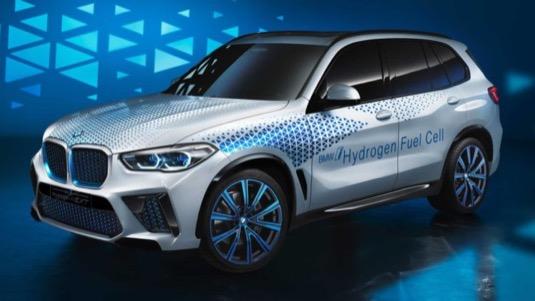 auto na vodík BMW X5 i NEXT Fuel Cell