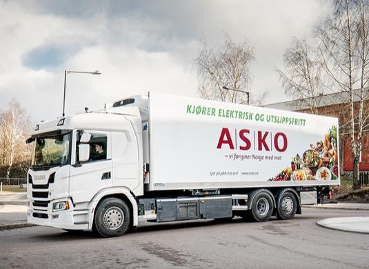 Pilotní projekt představuje další milník ve spolupráci mezi společnostmi Scania a ASKO v oblasti elektrifikovaných řešení pro těžkou dopravu.