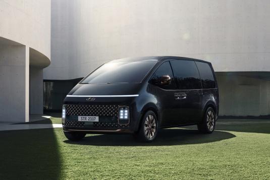 Hyundai plánuje pro nadcházející roky řadu specializovaných a ekologických verzí modelu STARIA
