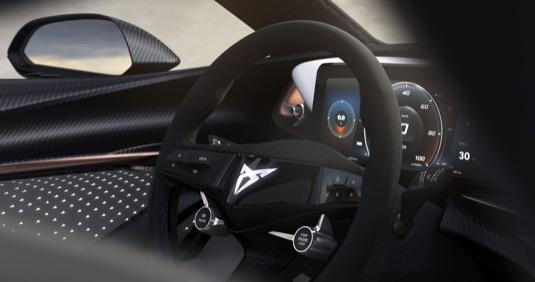 Interiér koncepčního vozu je zaměřen na řidiče, ale nabízí komfort všem cestujícím