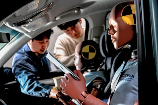 Výzkum a vývoj bezpečnostní techniky podpoří rozvoj budoucí mobility včetně sdílených autonomních vozů a vozidel pro specifické účely.