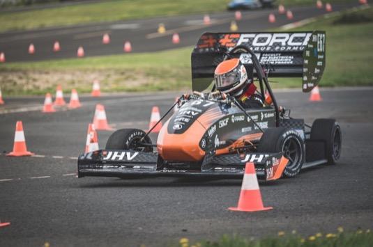 Týmy Formula Student z ČVUT budou mít premiéru na okruhu Formule 1 Yas Marina v Abú Dhabí