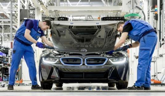 auto elektromobily výroba BMW i8