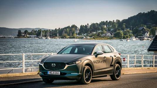 auto Mazda elektromobil e-TPV