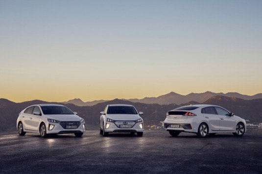 auto Hyundai Ioniq hybrid elektromobil