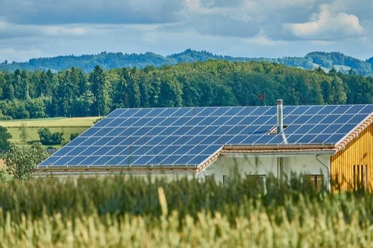 solární střešní elektrárny panely fotovoltaika