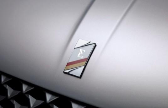 Spolupráce DS a PRE zpříjemní a usnadní používání elektrických a hybridních vozu  DS zákazníkům z celé ČR.