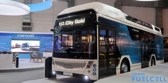 Toyota v souladu se svojí vizí bezuhlíkové společnosti – definované ve strategickém plánu Toyota 2050 Environmental Challenge – prosazuje využití technologie vodíkových palivových článků i mimo oblast osobních automobilů, tedy např. v těžkých nákladních vozidlech, menších dodávkových automobilech, vysokozdvižných vozících a autobusech.