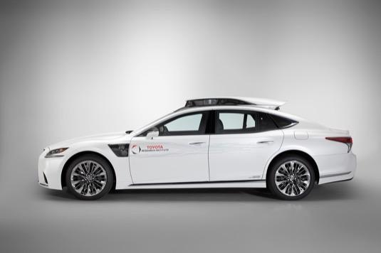 Testovací vůz s autonomií úrovně 4, při které auto zvládá jízdu zcela samo, bude od července do září nasazený v městském provozu v Tokiu.<br />