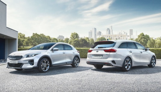 auto Kia plug-in hybridní veze XCeed a Ceed Sportswagon