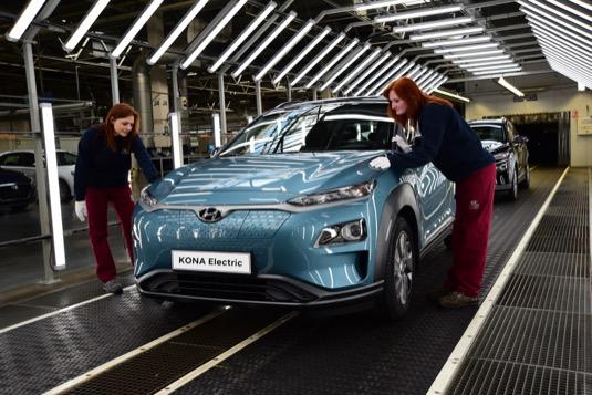 Zahájením elektromobilů Hyundai Kona Electric v Česku dosáhne automobilka výrazného zkrácení dodacích lhůt vozů Kona Electric v Evropě